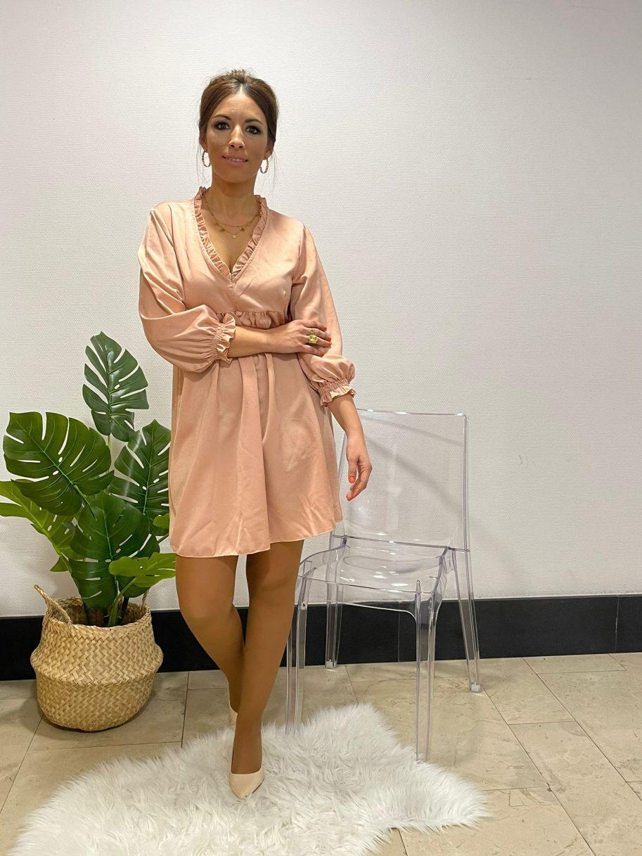 Vestido raso cuello pico media manga rosa